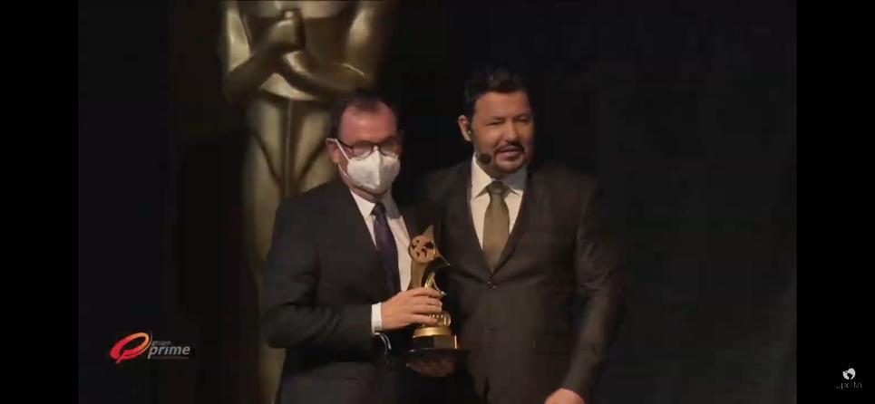 Sérgio Rocha recebe prêmio